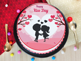 A photo cake for kiss day