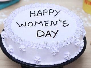 Round Shape Women's Day Cake