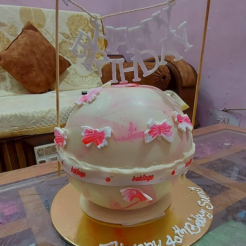 Birthday Black Forest Pinata Cake (800 gm)