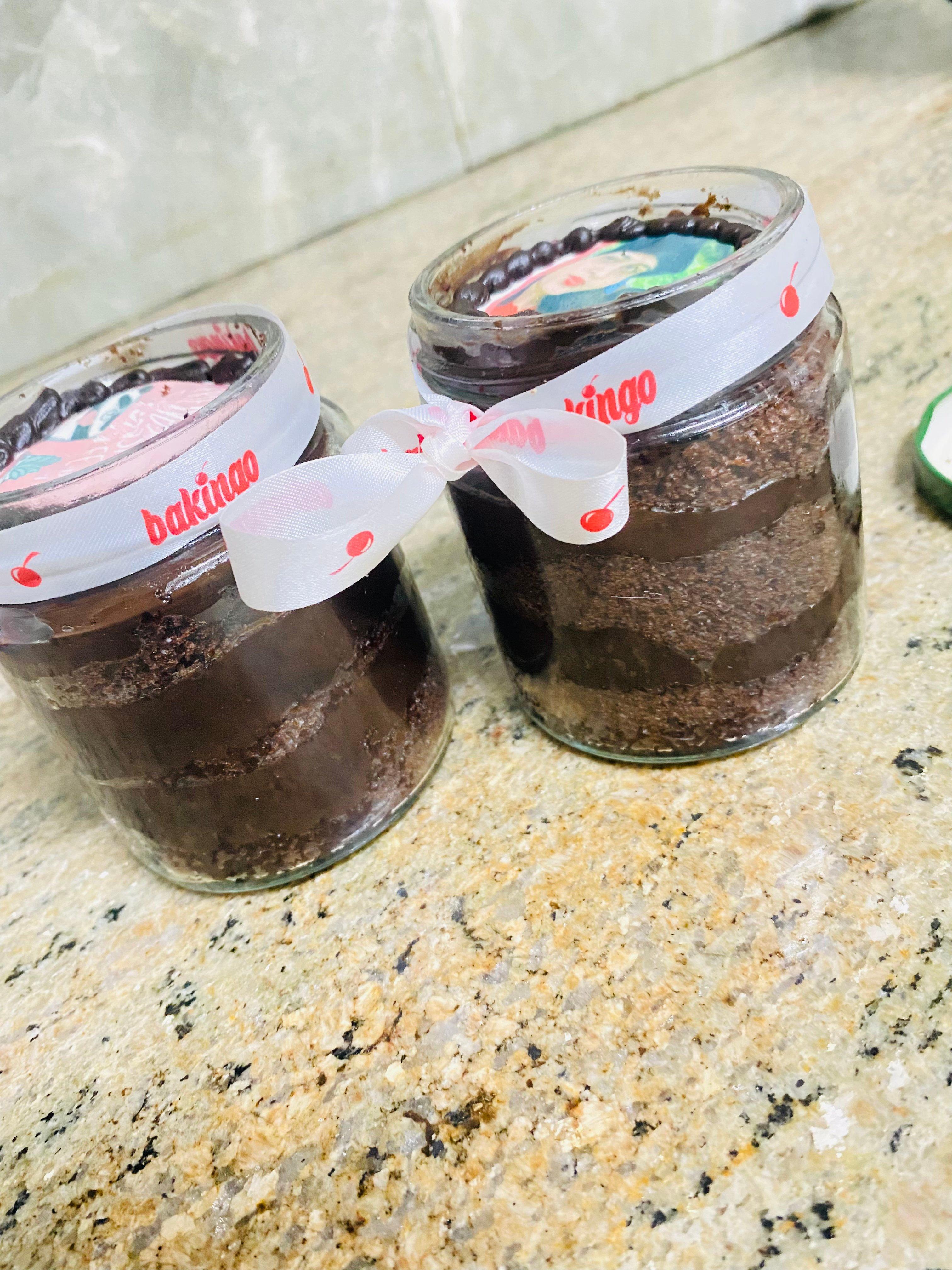 Friendship Day Personalized Chocolate Jar Cakes