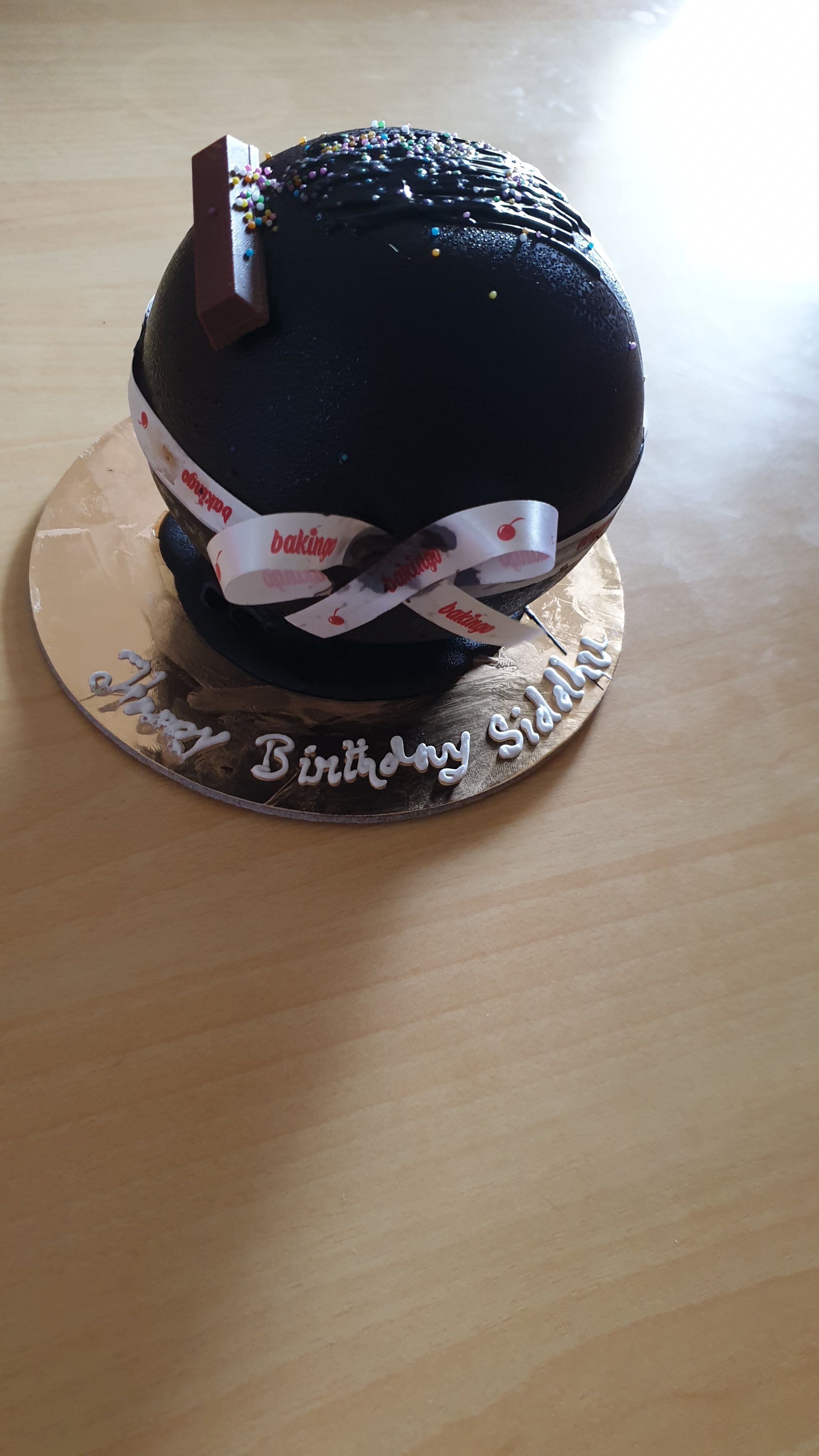 Ferrero Rocher Pinata Cake (750 gm)