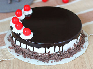 Hearty Mesmerizer - Black Forest Flavored Cake