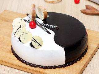Choco Vanilla Cake in Noida
