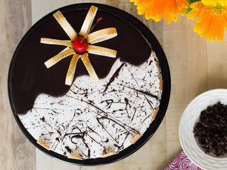 Top View of Choco Vanilla Cake