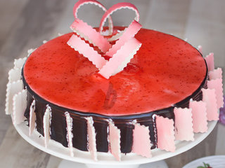 Zoomed View of Choco Strawberry Cake
