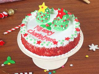 Red Velvet Cake for Christmas
