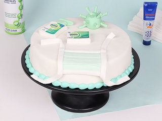 Corona Fondant Cake