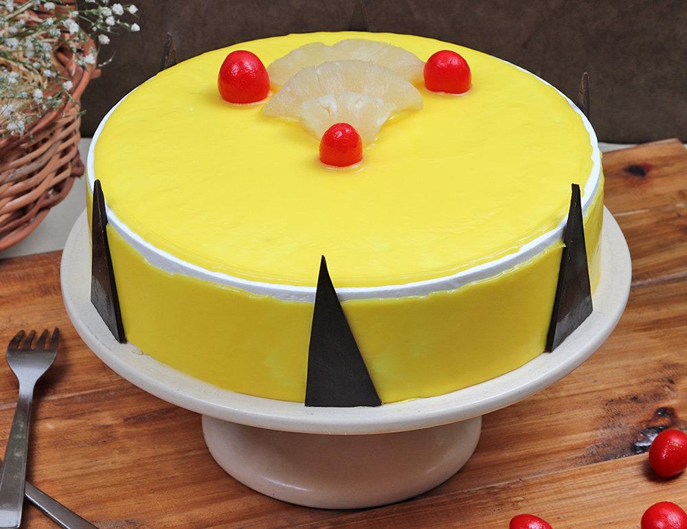 Creamy Round Shape Pineapple Cake