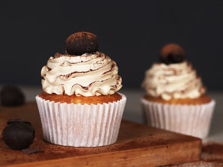 Dalgona Coffee Cupcakes