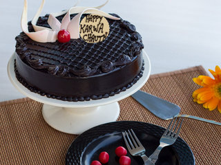 Karwa Chauth Chocolate Cake