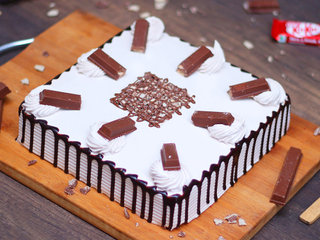 Dusted KitKat Choco Cake in Hyderabad