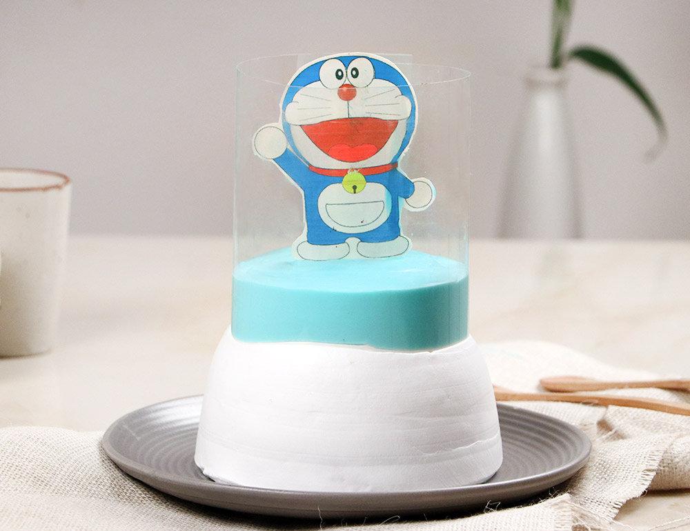 Lip-smacking Blue & White Doraemon Pull Me Up Pineapple Cake