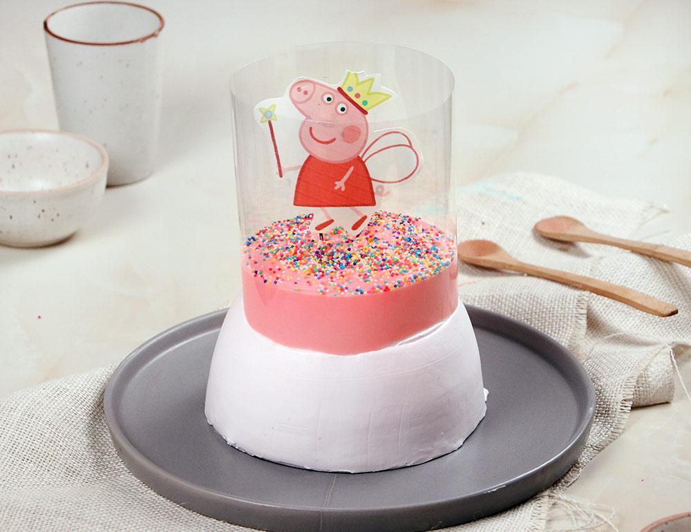 Magical Peppa Pig Pull Me Up Strawberry Cake