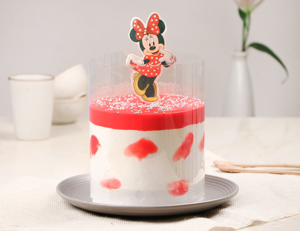 Minnie Mouse Strawberry Pull Me Up Cake