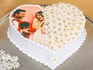 Photo N Floral Multi Flavour Cake
