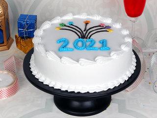 New Year Vanilla Cake