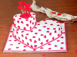 Heart shaped fondant cake