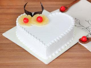 Pineapple Heart Shaped Cake in Delhi