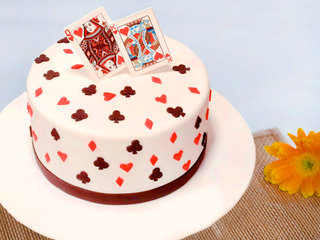 King and Queen Fondant Cake