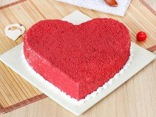 Red Velvet Heart Cake in Delhi
