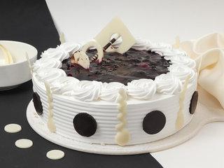 Round-Shaped Blueberry Cake