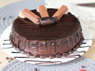 Side View of Chocolate Truffle Kitkat cake