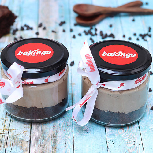 https://media.bakingo.com/sites/default/files/02B-Chocolate Mousse-Jar-Cake_0.jpg