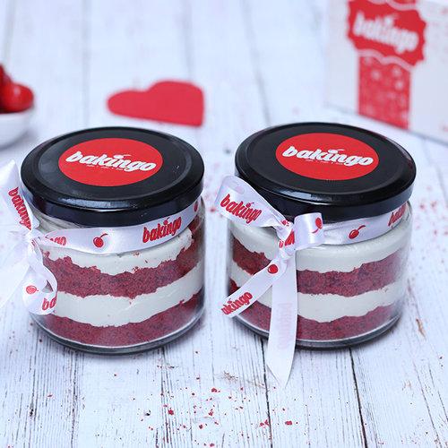 https://media.bakingo.com/sites/default/files/07B-Redvelvet-Jar-Cake.jpg