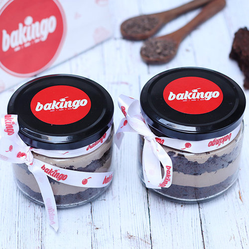 https://media.bakingo.com/sites/default/files/08B-Chocochip-Jar-Cake.jpg