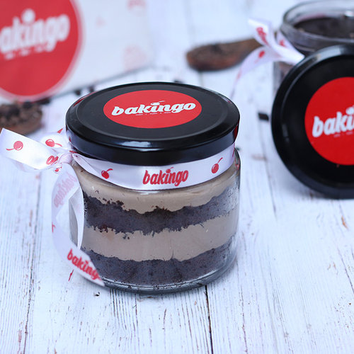https://media.bakingo.com/sites/default/files/08D-Chocochip-Jar-Cake.jpg