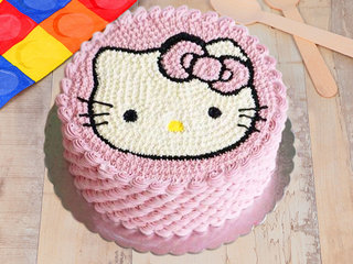 Round Delicious Hello kitty Cake