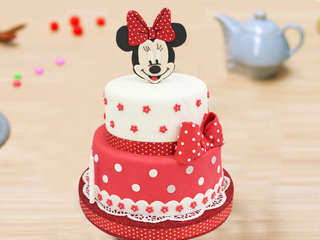 2 Tier Minnie Mouse Fondant Cake