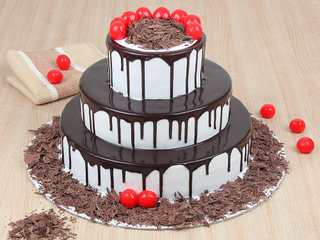 Show Stealer - 3 Tier Black Forest Cake