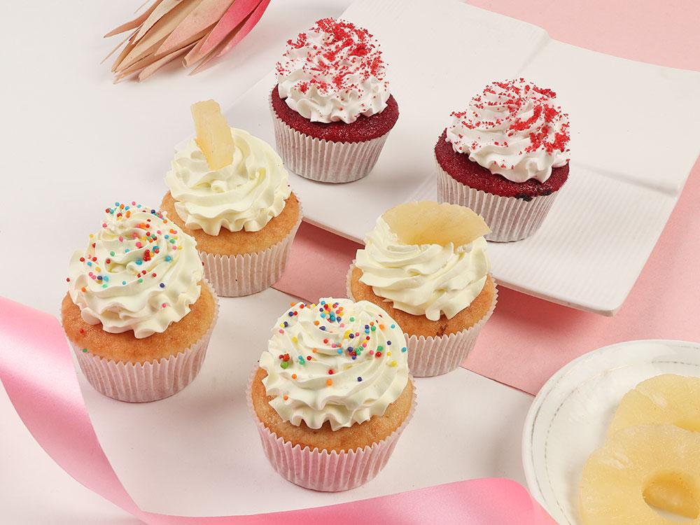 6 Red Velvet Pineapple Vanilla Cupcakes