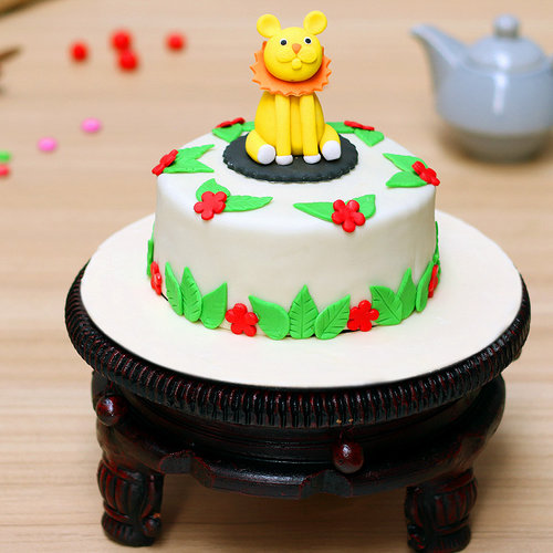 https://media.bakingo.com/sites/default/files/Theme-Cake-03-A.jpg