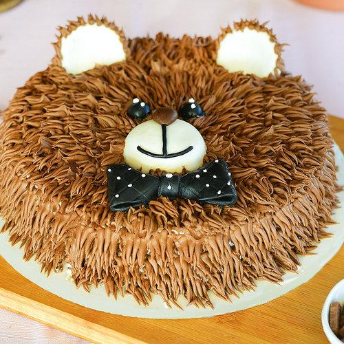 https://media.bakingo.com/sites/default/files/bear-cream-cake-them1048flav-A_1.jpg