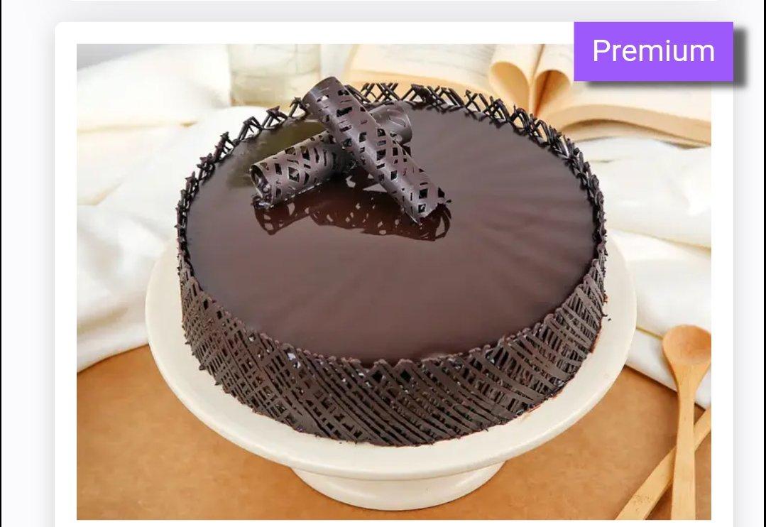 Chocolaty Creamy Round Cake