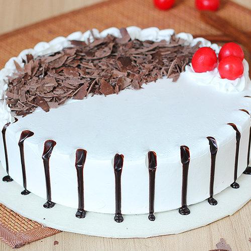 https://media.bakingo.com/sites/default/files/black-forest-round-shaped-cake-2-cake1948blac-A.jpg