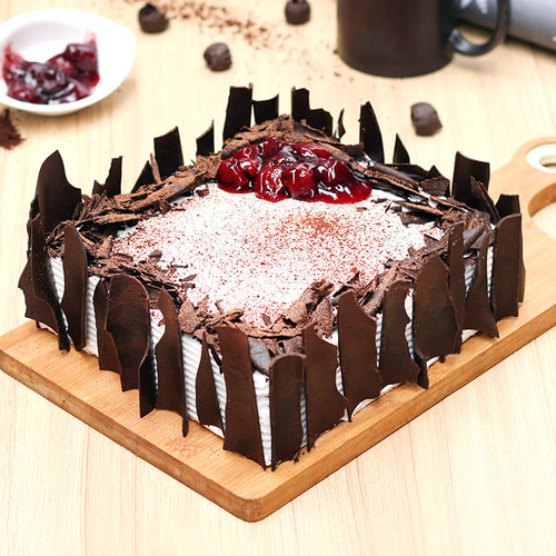 https://media.bakingo.com/sites/default/files/black-forest-vegan-cake-ghaziabad-cake1036blac-A.jpg