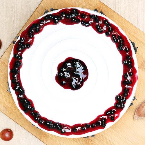 https://media.bakingo.com/sites/default/files/blueberry-cake-2-delhi-cake993blue-B.jpg