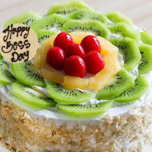 https://media.bakingo.com/sites/default/files/boss-day-kiwi-cake-cake906frui-B.jpg