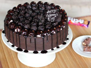 Childrens Day Snickers Chocolate Cake