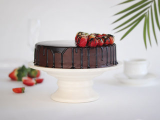 Sliced View of Choco Vanilla Strawberry Cake