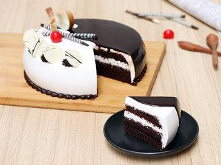 Sliced View of Vanilla Chocolate Cake