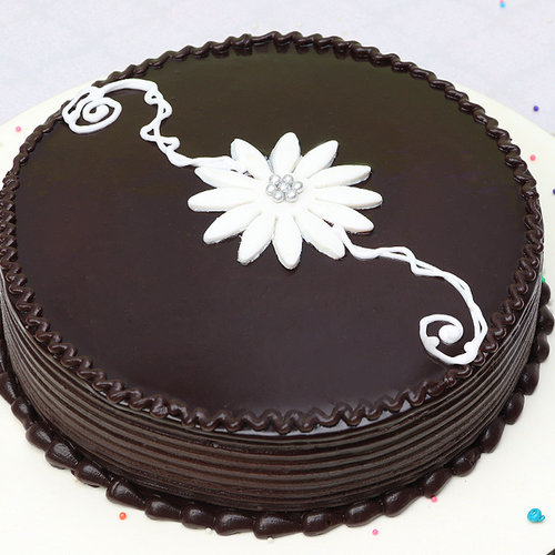 https://media.bakingo.com/sites/default/files/chocolate-cake-1-cake0736choc-A.jpg