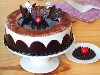 Chocolate Light Cake in Hyderabad - Order Now