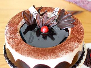 Zoom View of Chocolate Light Cake