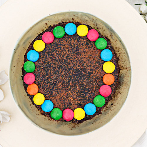 https://media.bakingo.com/sites/default/files/chocolate-pinata-cake-830gm-pina2040choc-E.jpg