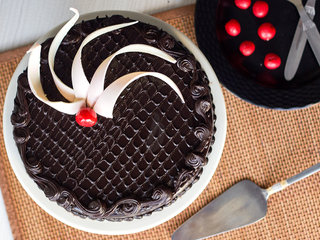 Top View of Delectable Truffle - Round Chocolate Truffle Cake