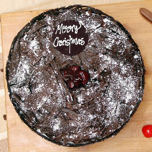 https://media.bakingo.com/sites/default/files/christmas-choco-black-forest-cake-cake1081blac-B.jpg